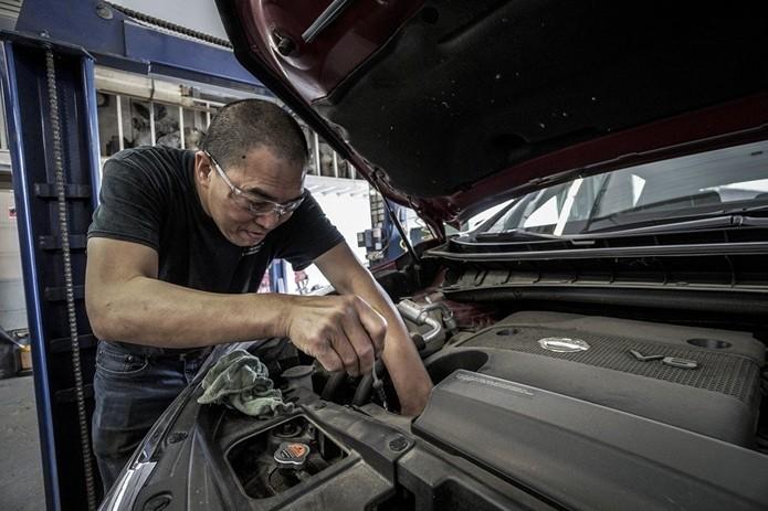 Насколько часто необходимо менять моторное масло